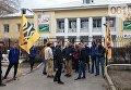 Национальный корпус заблокировал офис Сбербанка в Запорожье
