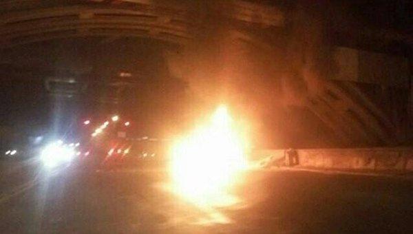 ДТП и мощный пожар на Днепровской Набережной в Киеве