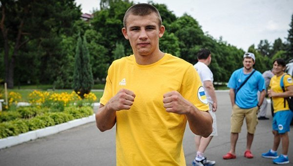 Украинский боксер Александр Хижняк