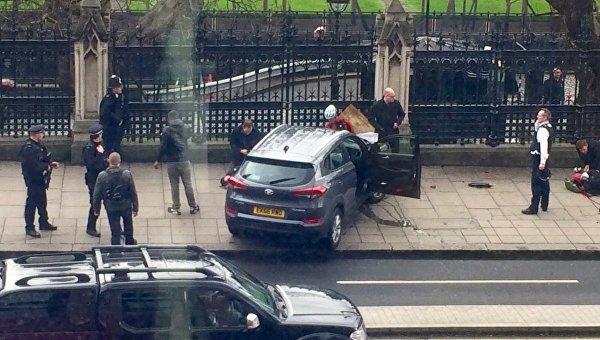 Теракт около здания парламента встолице Англии