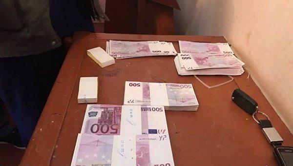 Пойманный навзятке €250 тыс. руководитель сельсовета арестован надва месяца