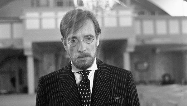 Лембит Ульфсак в сцене из фильма Враг респектабельного общества