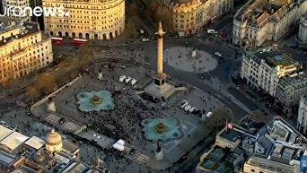 Лондонцы почтили память жертв теракта. Видео