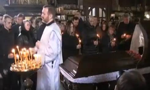 Появились кадры с церемонии прощания с Денисом Вороненковым. Видео