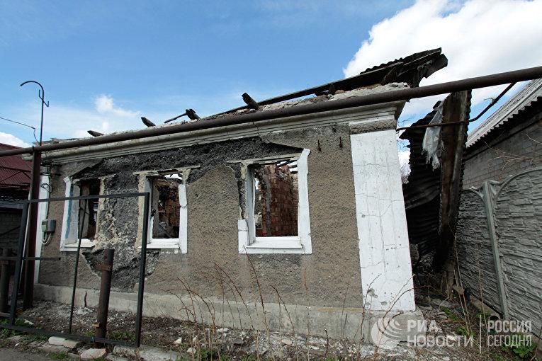 Боевики из«Градов» стреляют пожилым кварталам— Обстрел Авдеевки