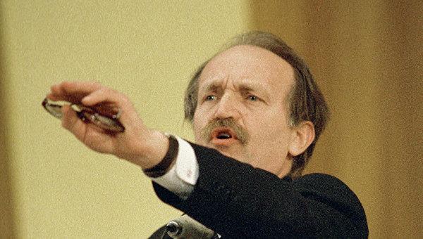 Лидер Народного Руха Украины Вячеслав Чорновил. Архивное фото