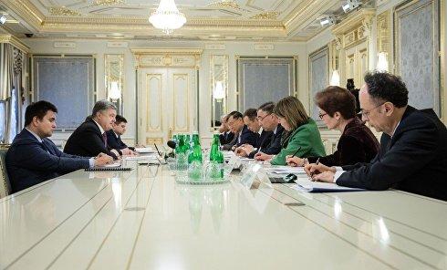 Встреча президента Петра Порошенко с послами стран G7 и Евросоюза