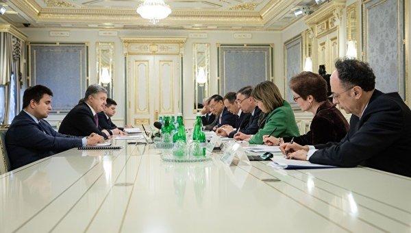 Порошенко договорился спослами G7 оподдержке перемен