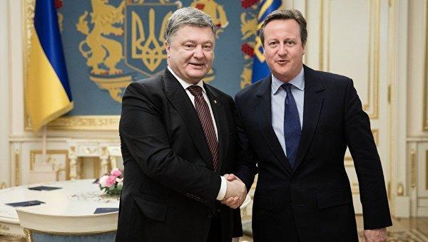 Порошенко обсудил сКэмероном сохранение санкций противРФ