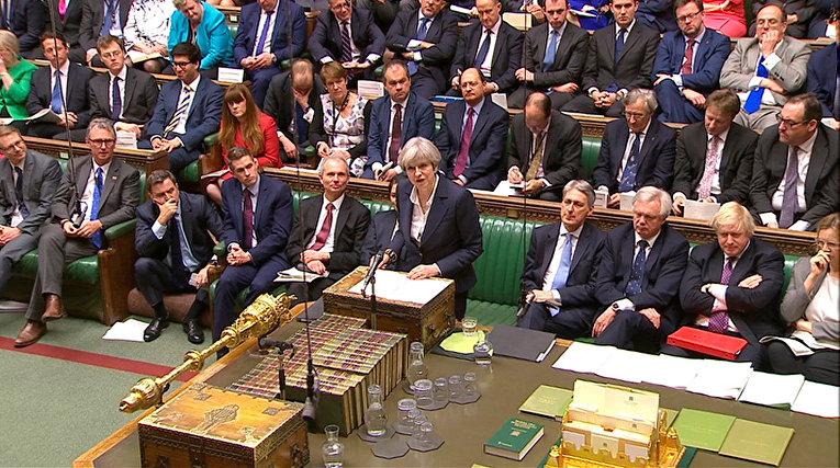 Премьер-министр Великобритании Тереза Мэй  в парламенте