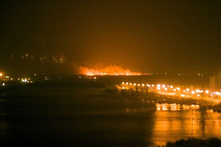 Масштабный пожар на окраине Киева (на Осокорках)