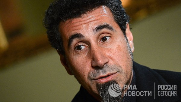 Американский певец армянского происхождения, лидер группы System of a down Серж Танкян