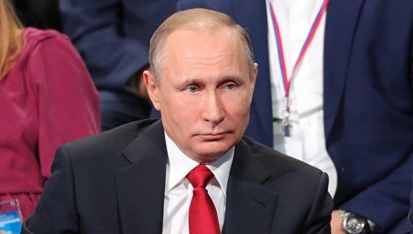 Желает зарулем проехать поКерченскому мосту— Путин размечтался
