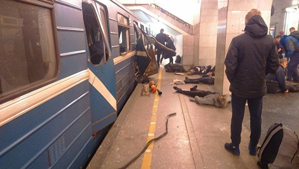 В вагоне метро в Петербурге прогремел взрыв