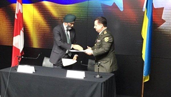 В Оттаве министр обороны Украины Степан Полторак и министр обороны Канады Харджит Сейджан подписали договоренность о сотрудничестве в сфере обороны