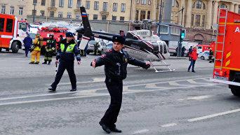 Ситуация у станции метро Технологический институт в Санкт-Петербурге, где произошел взрыв