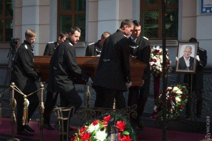 Сегодня Одесса прощается сСергеем Олехом— известным комедийным актером