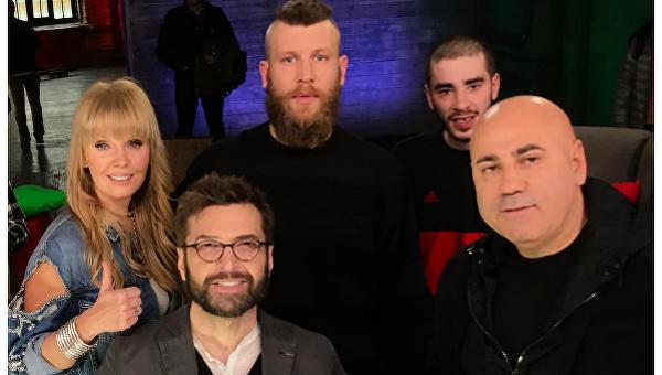 Украинская звезда засветилась в РФ вкомпании крымнашистов