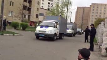 Торнадовцев доставили в суд под охраной автоматчиков. Видео