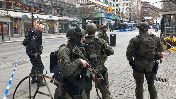 Метро Стокгольма закрыли после наезда грузового автомобиля напешеходов