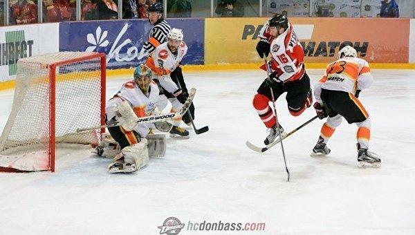 Хоккейный матч Донбасс - Кременчук