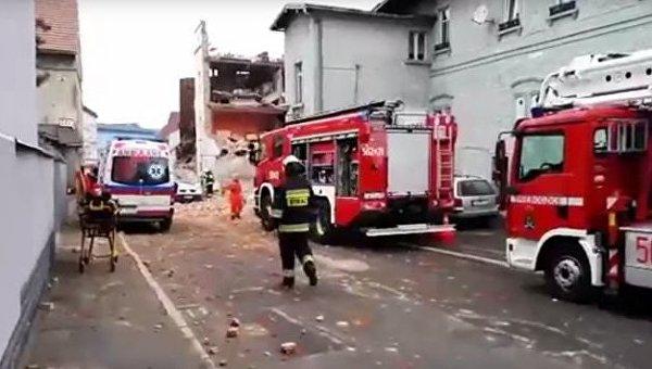 Под Вроцлавом рухнул двухэтажный многоквартирный дом