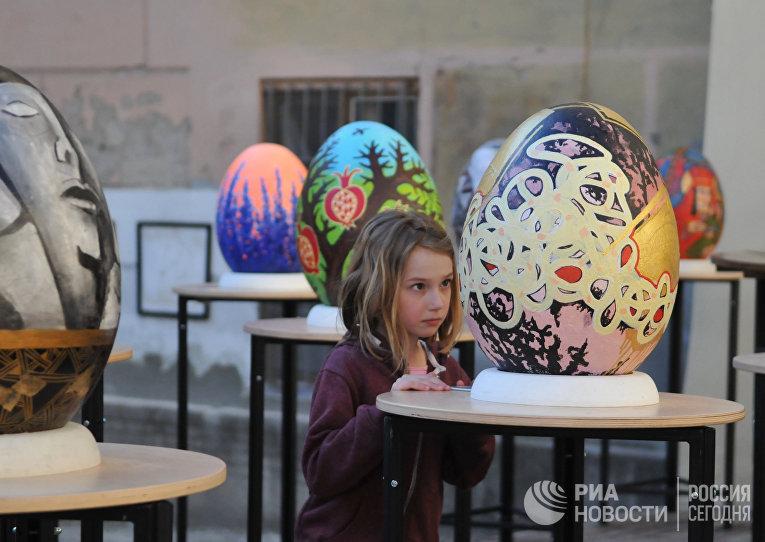 Гигантомания по-украински: вКиеве открылся фестиваль писанок