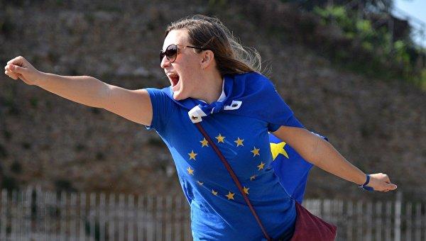 Участница митинга сторонников Евросоюза. Архивное фото