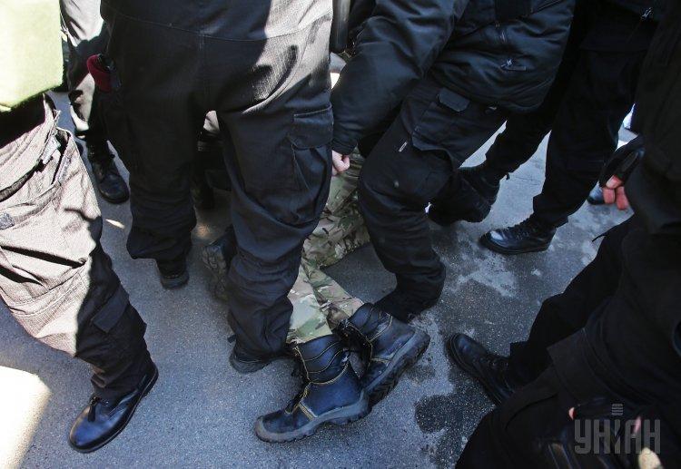 ВКиеве намитинге под МВД задержаны 4 человека