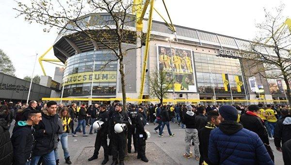 Взрыв возле автобуса дортмундской Боруссии. Болельщики перед матчем
