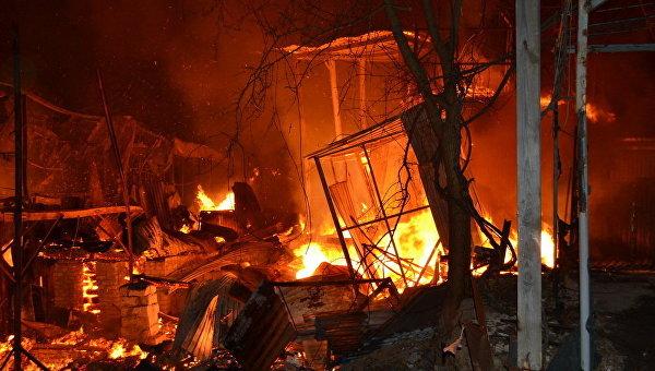 Новый пожар напричале вОдессе уничтожил десятки домов
