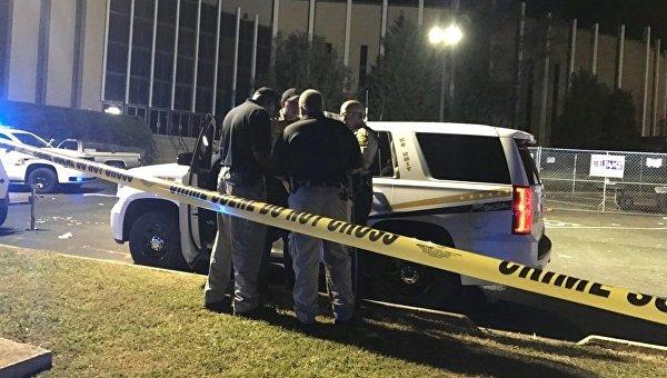 На месте стрельбы около церкви в американском штате Алабама