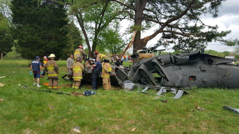 Один американский пилот умер идвое пострадали при крушении военного вертолета