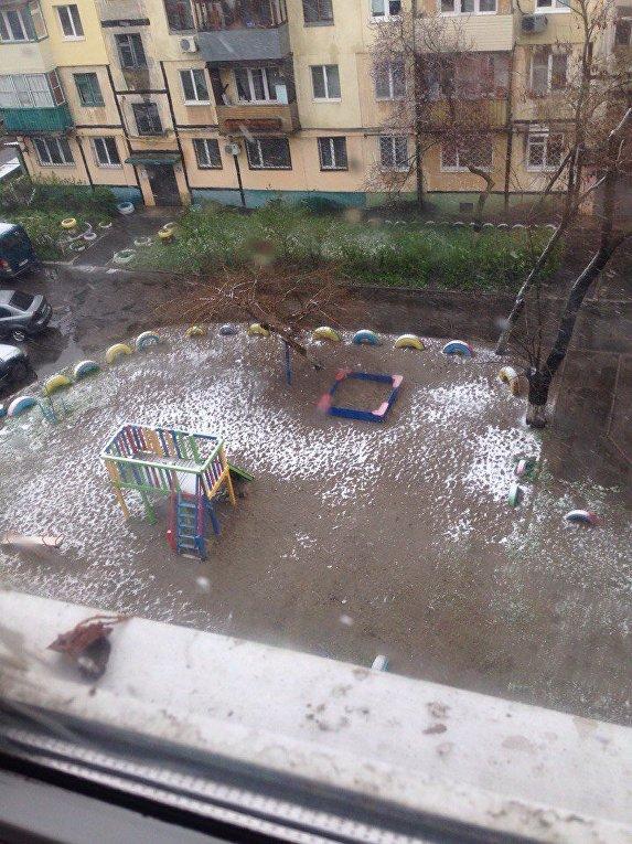 В Днепре выпал апрельский снег