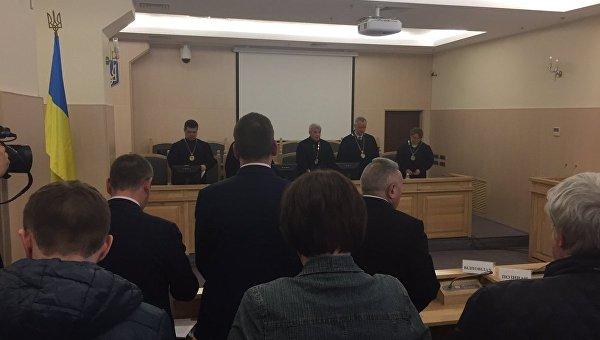 Порошенко сообщили осуде оботставке Шокина, где онявляется ответчиком