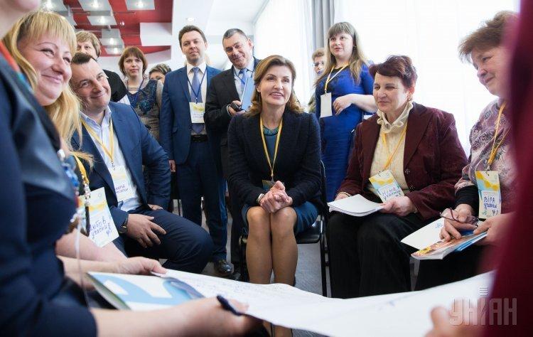 Супруга президента Украины, председатель Благотворительного Фонда Порошенко Марина Порошенко и председатель Черниговской ОГА Валерий Кулич во время специализированного тренинга Инклюзивное образование - уровень сознания нации в Чернигове