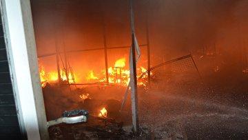 При пожаре на рынке в Одессе пострадали семь полицейских