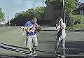В США девочка выпала из автобуса на дорогу на полном ходу