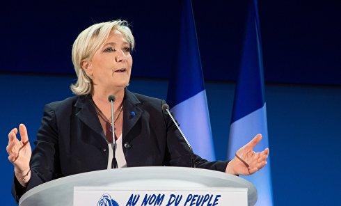 """Лидер политической партии Франции """"Национальный фронт"""", кандидат в президенты Франции Марин Ле Пен"""