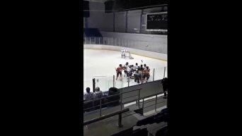 Девушки устроили массовую драку на чемпионате Казахстана по хоккею
