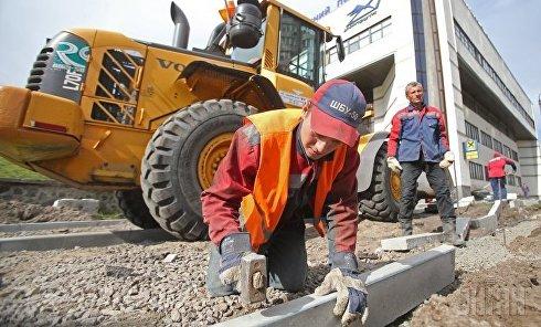 Ремонтные работы возле метро Левобережная в Киеве