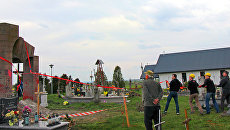 Разрушение памятника УПА на кладбище в польском селе Грушовичи