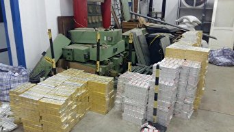 Крупная партия контрабандных сигарет в Венгрии. Архивное фото