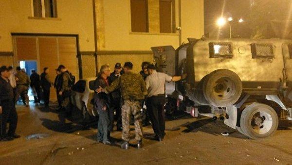Разблокирование захваченного демонстрантами в Македонии парламента
