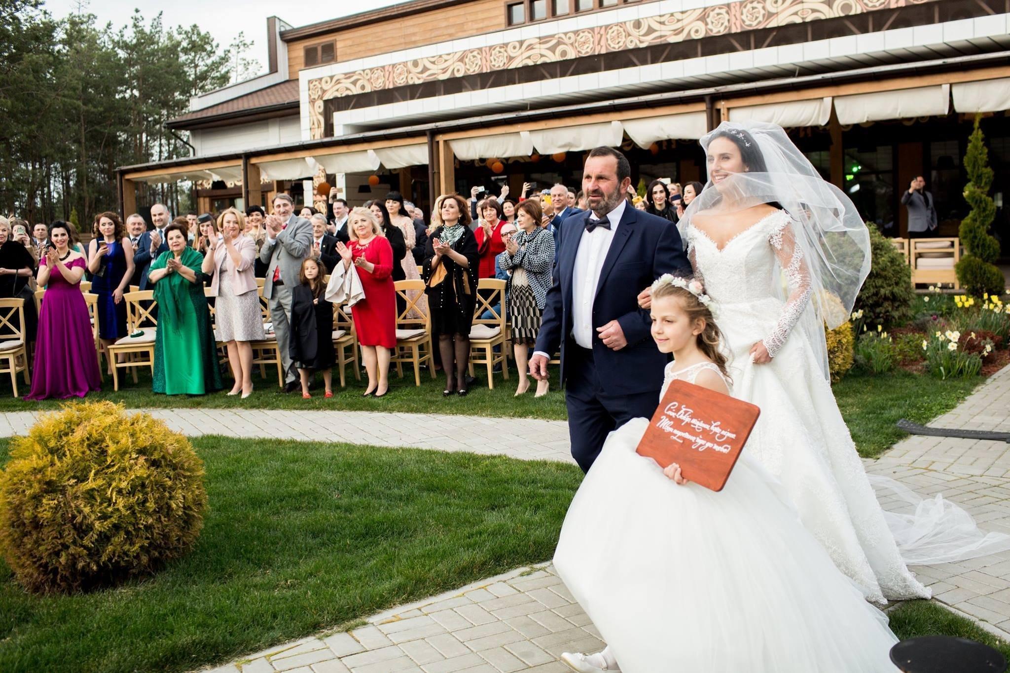 Джамала опубликовала фото со своей свадьбы