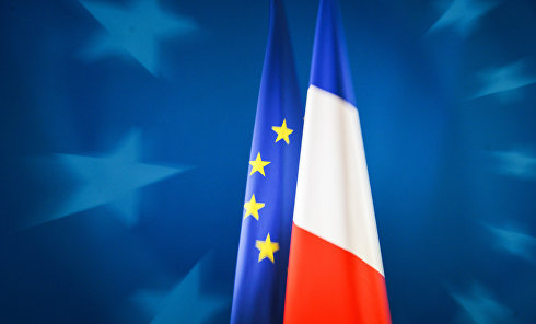 Флаги Европейского союза и Франции