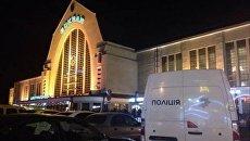 В Киеве у правительственных курьеров отобрали почту и пистолеты