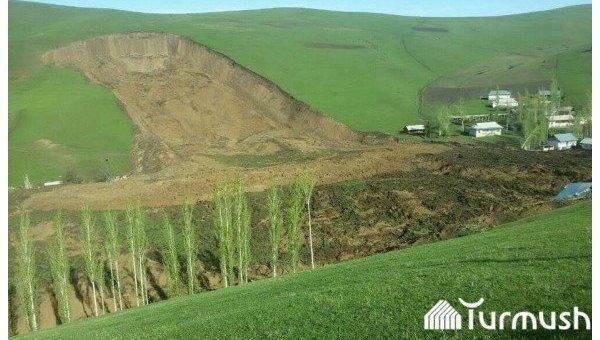 Очутившиеся под оползнем наюге Кыргызстана 24 человека погибли— МЧС