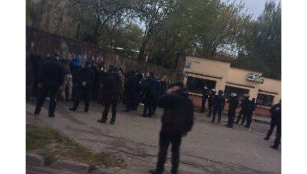 ВоЛьвове произошла массовая драка, задержаны более 30 участников