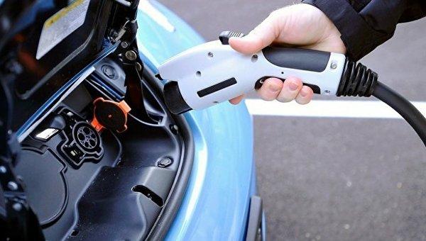Вавтопарке Кабмина появятся электромобили